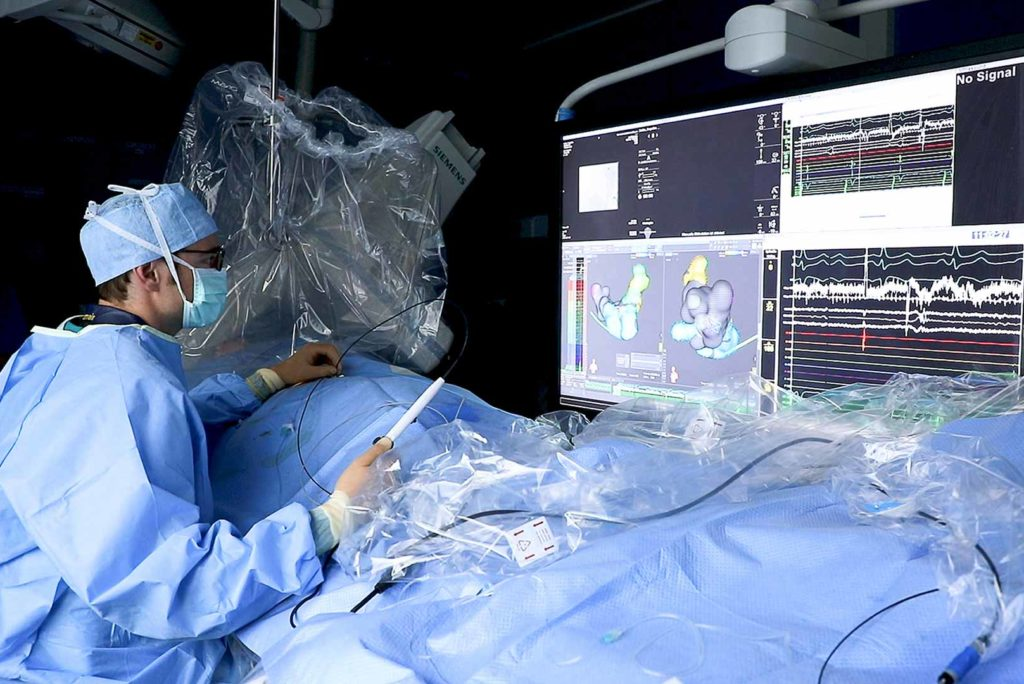 Ein Kardiologe im OP.